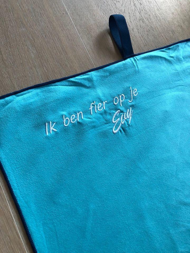 Start 2 Run sporthanddoek met opschrift 'Ik ben fier op je'
